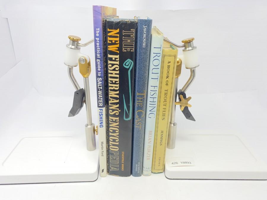 5 Amerikanische Bücher: Salt-Water Fishing von Martin Ford, The Fisherman´s Encyclopedia von Ira N. Gabrielson, The Cast von Ed Jaworowski/Lefty Kreh, Trout Fishing von Brian Furzer, A Book of Trout Flies von Preston J.Jennings