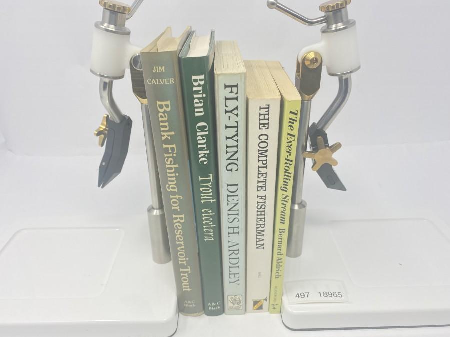 5 Bücher: Bank Fishing for Reservoir Trout von Jim Calver, Trout etcetera von Brian Clarke, A Handbook of Fly-Tying von Denis H. Ardley, The Complete Fisherman von Ian Ball, The Ever-Rolling Stream von Bernard Aldrich