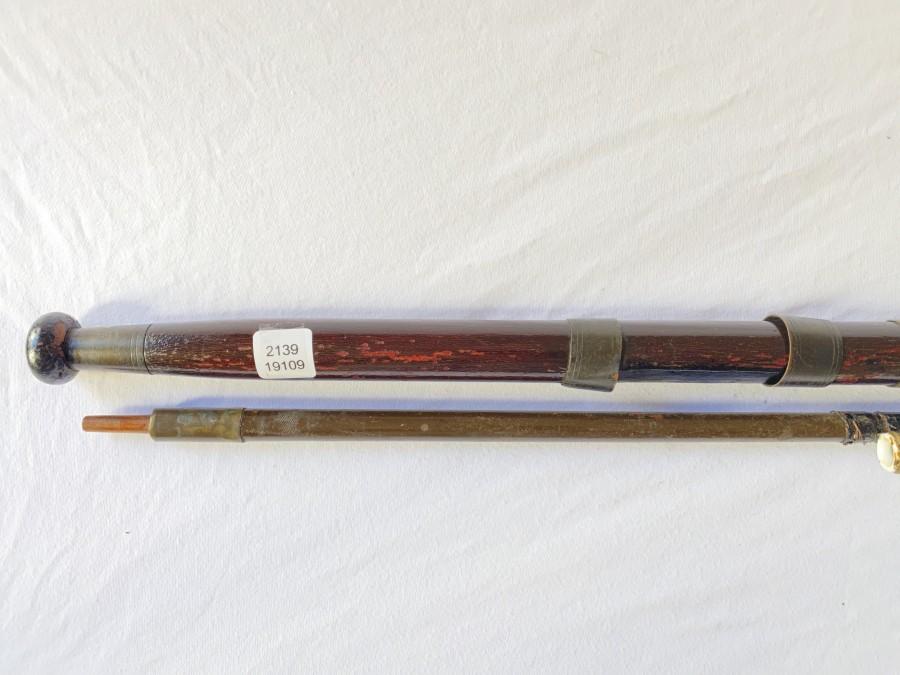 Vintage Spinnrute, Lanzenholz, 2tlg., 2,45m, Porzellanringe, Futteral, reparaturbedürftig