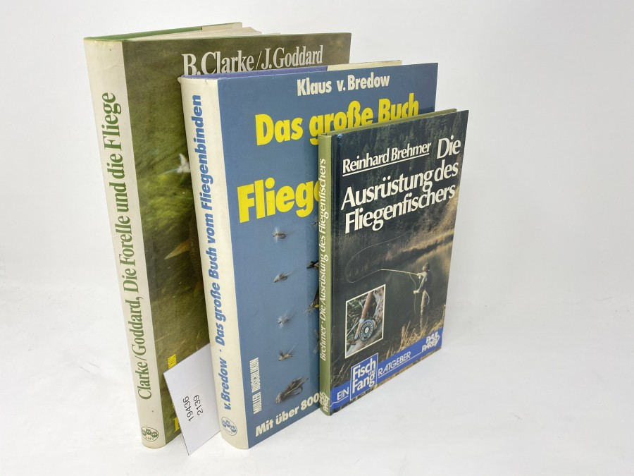 3 Bücher: Die Forelle und die Fliege, B.Clarke/J.Goddard, 1982; Das große Buch vom Fliegenbinden, Klaus v. Bredow, 1981; Die Ausrüstung des Fliegenfischers, Reinhard Brehmer, 1984