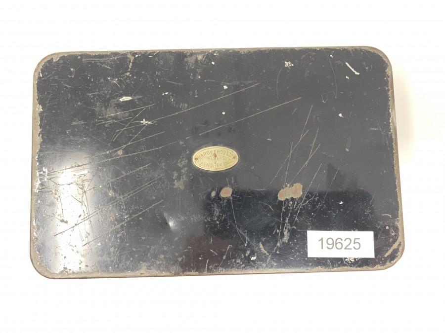 Hardy Oblong No.1 Multum-in-Parvo Spinners-Box aus Nickelsilber, Black Japanned mit cremefarbener Innenlackierung, ovales Hardy-Logo