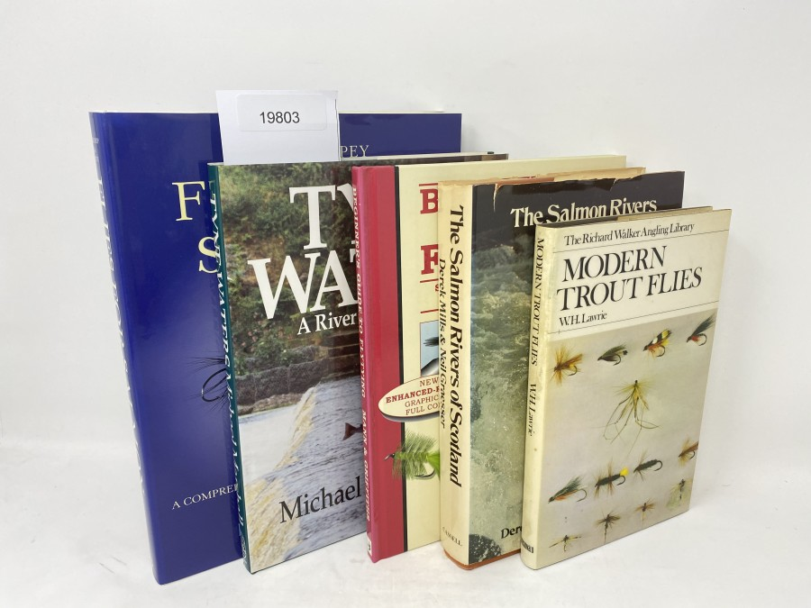 5 Bücher: Shrimp & Spey Flies for Salmon, A comprehensive Guide for Anglers & Flytyers, Chris Mann/ Robert Gillespie, 2001; Tyne Water, A River and its Salmon, Michael W. Marshall, 1992; Beginner's Guide to Flytying, Chris Mann/Terry Griffiths, 1999; The Salmon Rivers of Scotland,Derek Mills/Neil Graeser; Modern Trout Flies, W.H. Lawrie, 1972
