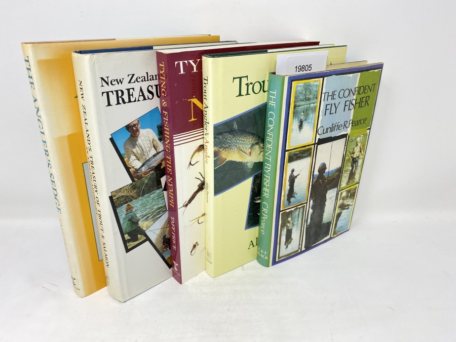 5 Bücher: New Zealand´s Treasury of Trout & Salmon An Angling Anthology, John Parsons/Bryn Hammond, 1989; The Anglers Sedge Tying and Fishing the Caddis, Taff Price, 1989; Tying & Fishing The Nymph, Taff Price, 1995; Trout Anglers An Approach to Stillwater, Alan Pearson, 1990; The Confident Fly Fisher, Cunliffe R.Pearce, 1978