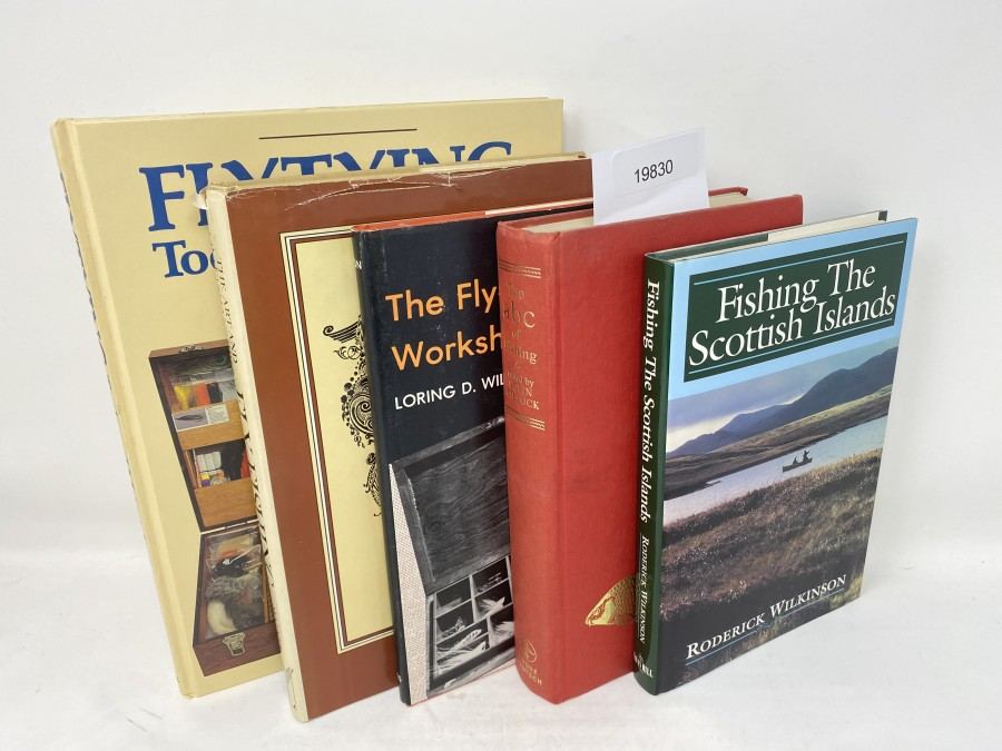 5 Bücher: Flytying Tools and Materials, Jacqueline Wakeford, 1991; The Art and Craftsmanship of Fly Fishing, Alf Walker; The Fly-Fisherman's Workshop, Loring D.Wilson, 1979; The abc of Fishing, Colin Willock, 1964; Fishing The Scottish Islands, Roderick Wilkinson, 1994