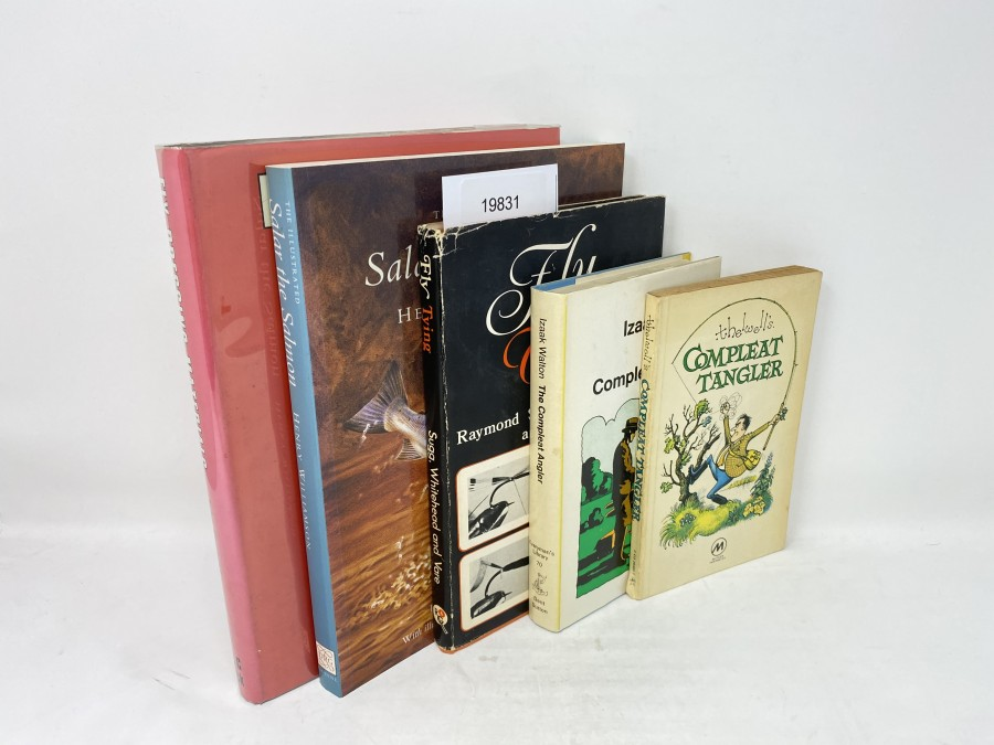 5 Bücher: Fly-Dressing Materials, John Veniard, 1979; Salar the Salmon, Henry Williamson, 1990; Fly Tying, Raymond Sugg/Ken Whitehead/Alan Vare, 1973;  The Complete Angler, Izaac Walton, 1975; thelwell's Compleat Tangler, 1967