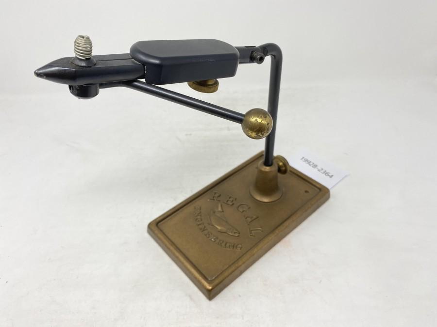 Fliegenbindestock Regal Engineering, USA, Bronzebodenplatte, sehr guter Zustand