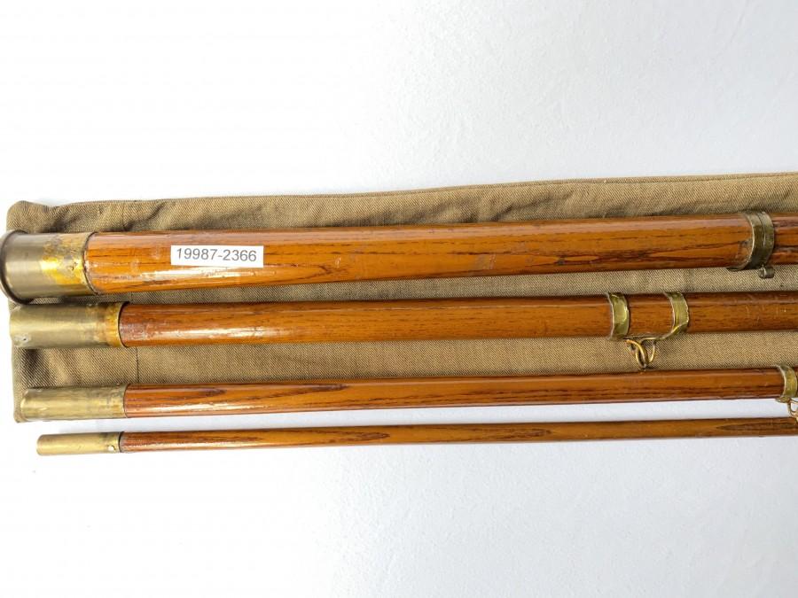 Angelrute um 1850 - 70, Holz, 4tlg., 4.00m, Messingbeschläge und Porzellanspitzenring, sehr interessantes Sammlerstück, im Originalfutteral, leider keine Markung