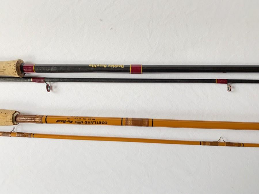 """2 Fliegenruten: Cortland Pro - Crest, 1-621-1, Hohlglas, 2tlg., 8 1/2"""" Line Recommended #7 or 8, guter Zustand und Berkley Grafite,2tlg.,   GFE 40-9""""6"""", Line WT 7-8 . 25 CCR, ohne Futteral Gebrauchsspuren"""