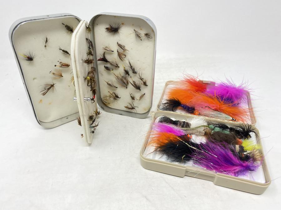 2 Fliegenboxen: Wheatley mit 70 Trockenfliegen, Nassfliegen, Nymphen und  Streamer, Kunststoffbox mit 20 Steelheadfliegen
