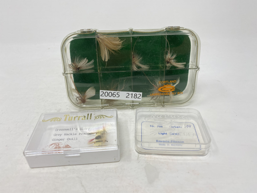 Fliegenbox Cortland mit 8 Maifliegen, Box mit 3 Turrall Fliegen und Fliegenbox, leer, von Bavaria, Deutschland