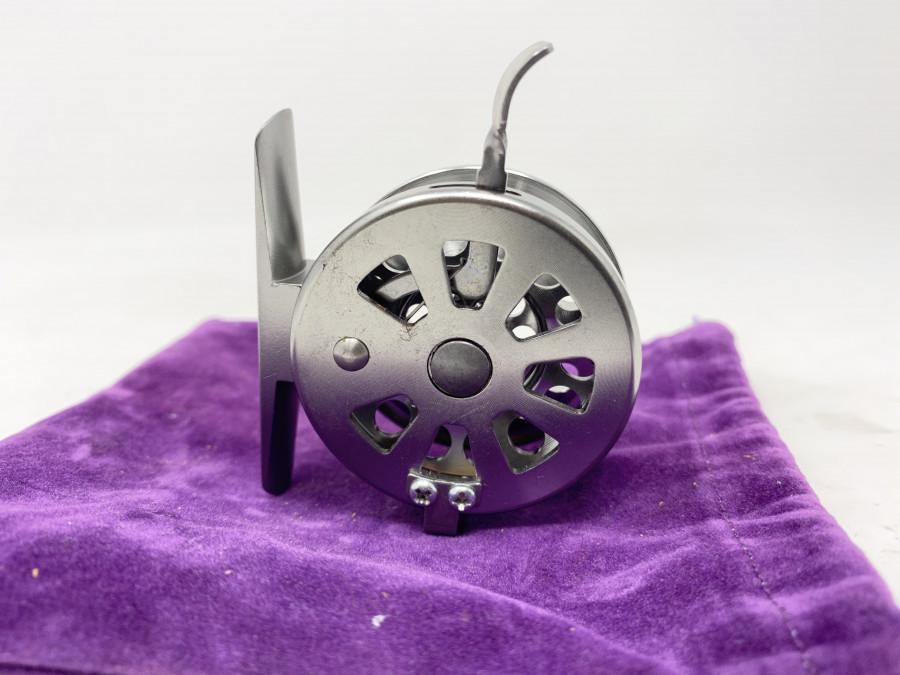 Kleine Angelrolle, 50mm Durchmesser, Freilauf, Rechtshand, neu, im Stoffbeutel