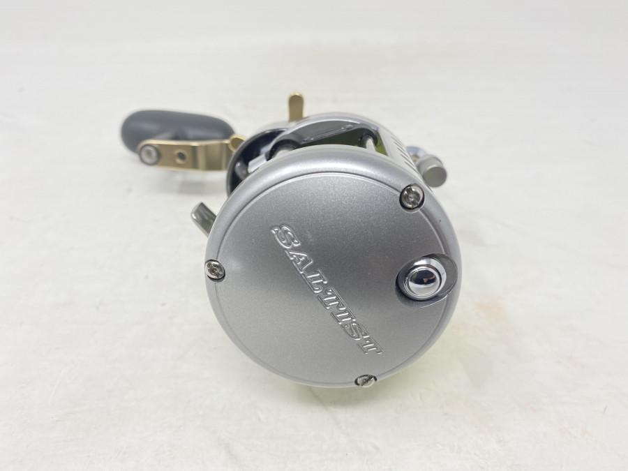 Multirolle, Daiwa Saltist 30HA, Super Speed, Rechtshand, mit geflochtener Schnur, neu und ungefischt