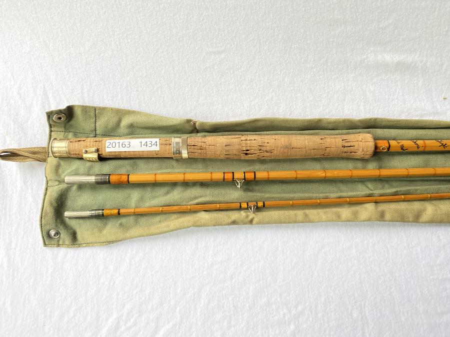 Gespliesste Fliegenrute, Hardy The Hollolight, Palakona Regd Trade Mark, H31782C, 3tlg., 3,00m #7, Spitze 10 cm kürzer als die anderen Teile, Futteral, Gebrauchsspuren