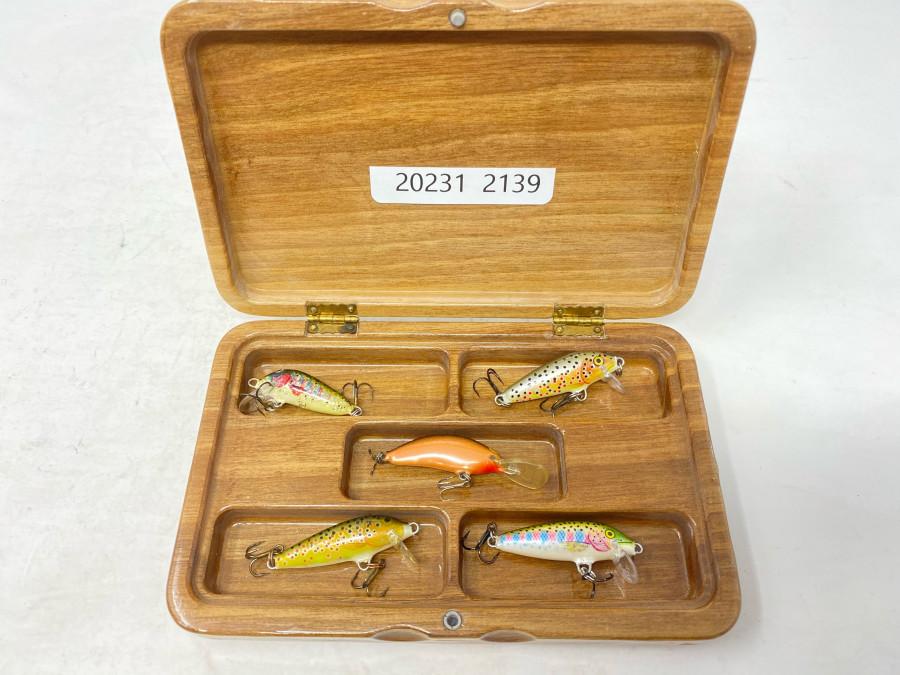 Schöne Holzbox mit 5 kleinen handgefertigen Wobblern, 35 bis 45mm lang
