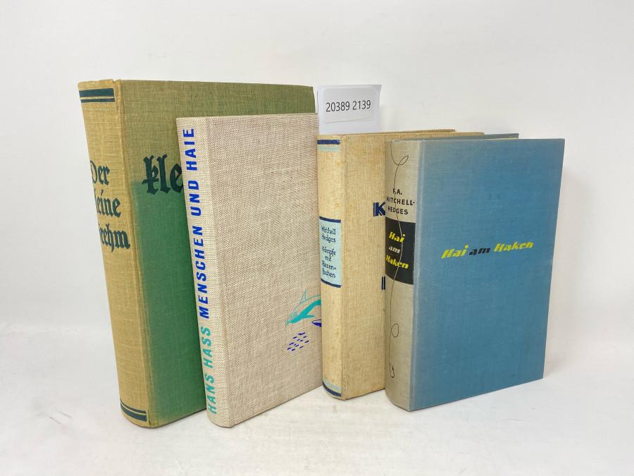 4 Bücher: Der kleine Brehm, 1935; Menschen und Haie, Hans Hass; Kämpfe mit Riesenfischen, Mitchell Hedges, 1925; Hai am Haken,  F.A. Mitchell Hedges