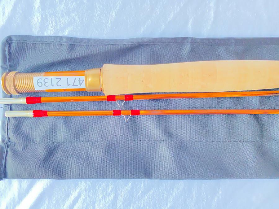 Gespliesste Fliegenrute, Ritz fly rods, geflämmt, 2tlg., 2,10m, Klasse 4, 95 Gramm, Reservespitze, Parabolische Aktion, Futteral, Alurohr, neu, MADE IN CHINA