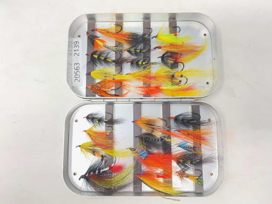 Wheatley Alufliegenbox, 28 Lachs- oder Forellenfliegen, gute Qualität