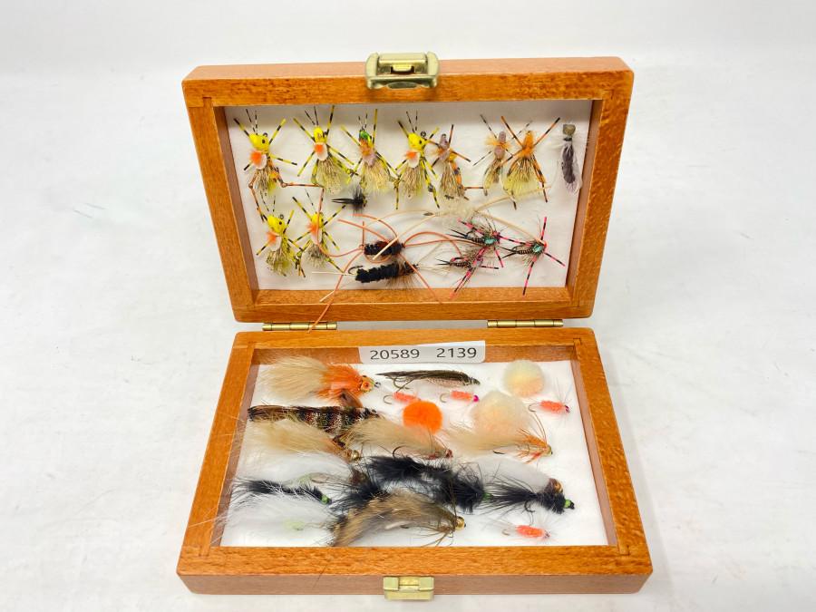 Holzbox mit 37 Streamern, Nymphen, Hoppern, schöne fängige Muster