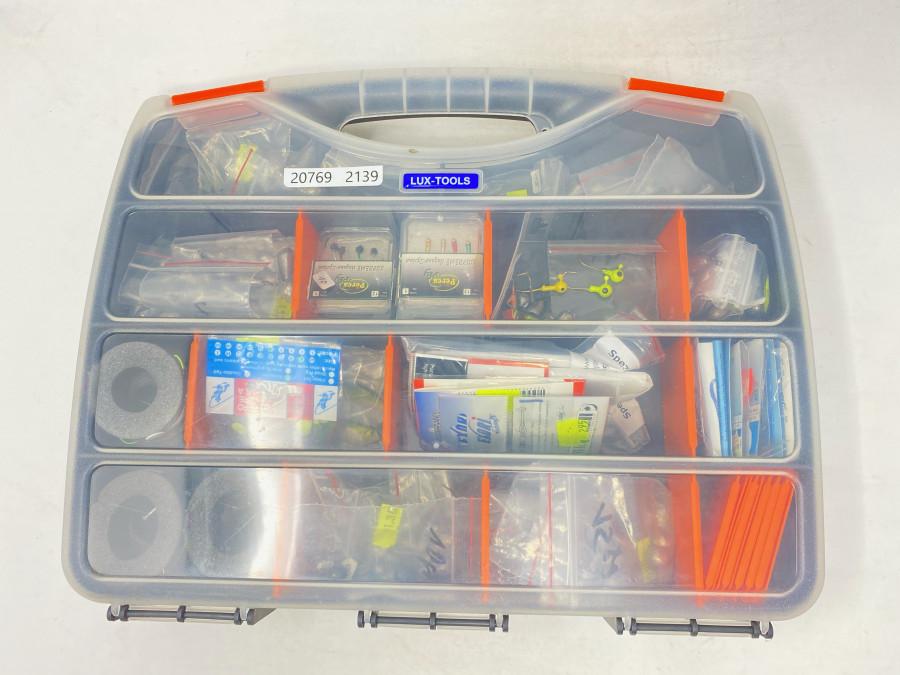Kunststoffbox mit vielen fertig montierten Hegene, Bleigewichte, Jighaken, Gummifischen Surpreme Hegene