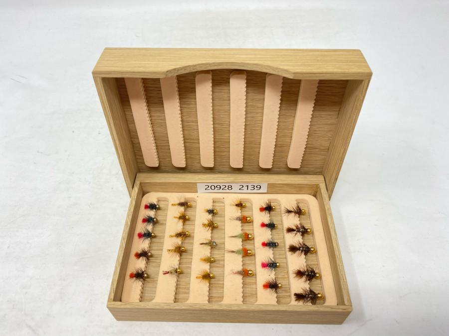 Holzfliegenbox mit 30 Goldkopf Minijig´s