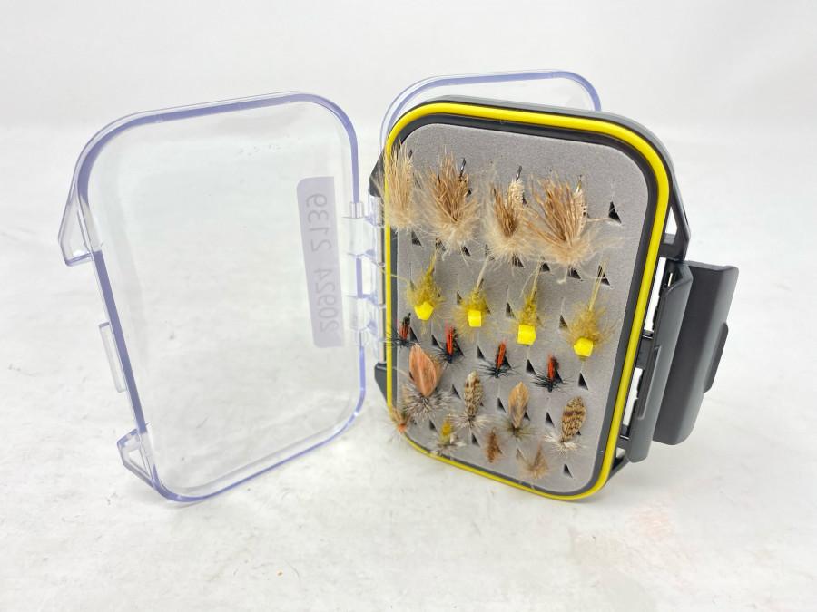Kunststoff Fliegenbox mit 44 Trockenfliegen für Äsche und Forelle