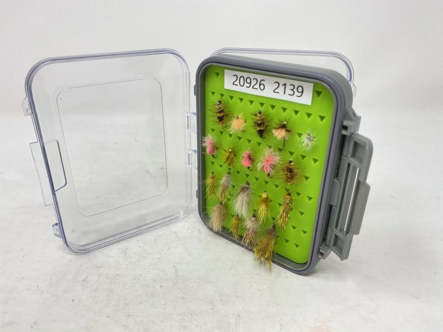 Kunsstoff Fliegenbox mit 38 Trockenfliegen, Jig´s und Nymphen für Forelle und Äsche