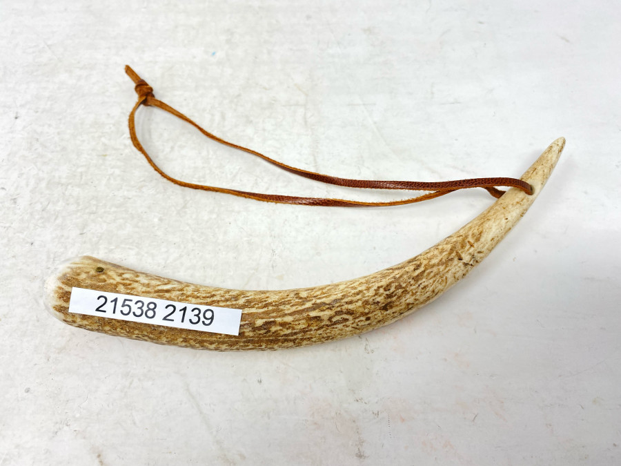 Fischtöter, Horn mit Bleieinlage, Lederband, 190mm lang