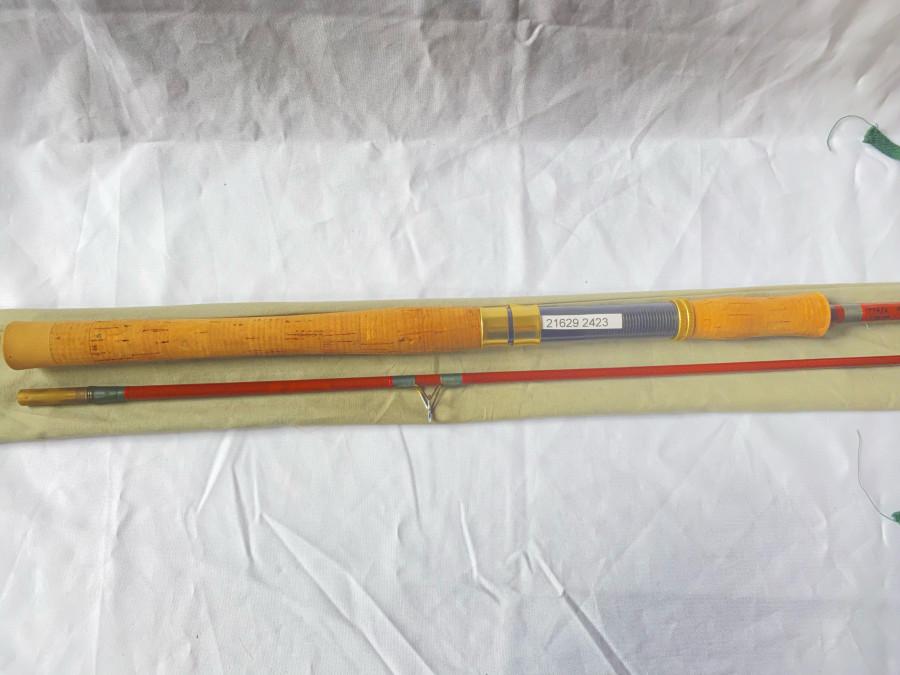 Spinnrute, Inlet Schreck, Glasfaser, I969, 116/2, 2.40m, bis 30 gr., Testkurve 450 g / Schnurstärlke 0,15, 0,20, 0,30, Leitring neu gewickelt, guter Zustand, Futteral