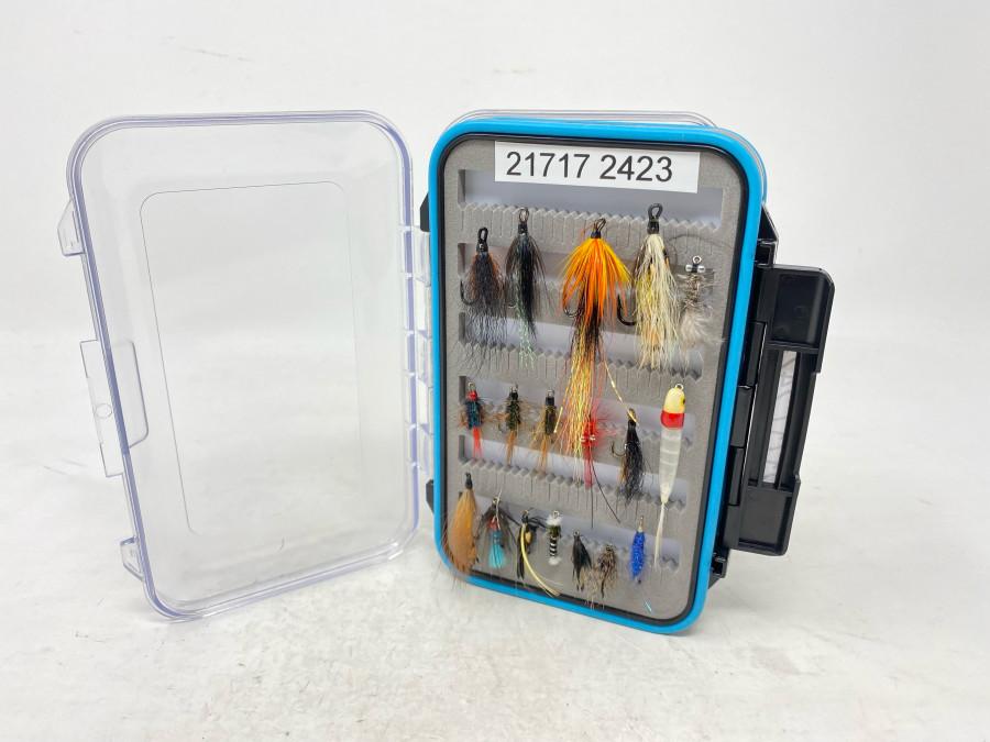 Kunststoff Fliegenbox, Schaumstoffeinlage, gefüllt mit 34 Doppelhaken Lachsfliegen, Nassfliegen und Streamern, gebunden von Dr. Ingo Karwath, sehr gute Qualität
