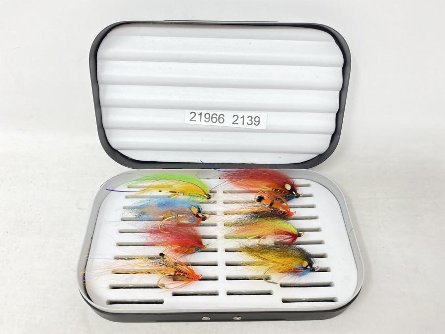 Alu Fliegenbox, mit 8 Lachsfliegen von Joachim Niklas gebunden, auf Salar Haken 6 + 4, gute Qualität