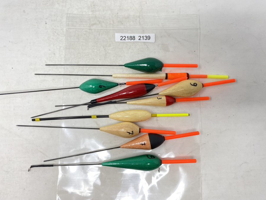 10 Balsaholz Schwimmer, handgefertigt in Bosnien, 20 bis 25cm lang, neu