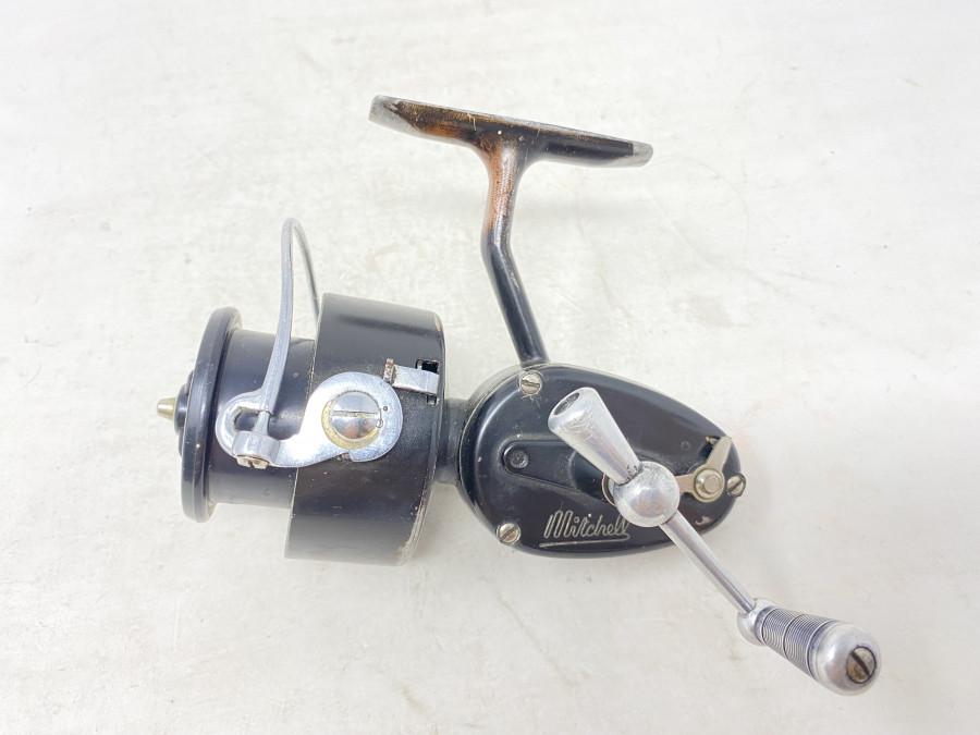 Stationärrolle, Mitchell, Made in France, reparaturbedürftig, starke Gebrauchsspuren