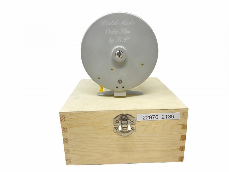 Centerpinrolle,  Barbel Master Centre Pin by ZP, läuft traumhaft, Made in Germany, Rollendurchmesser 105mm, Rollenbreite 42mm, neu in Holzkassette